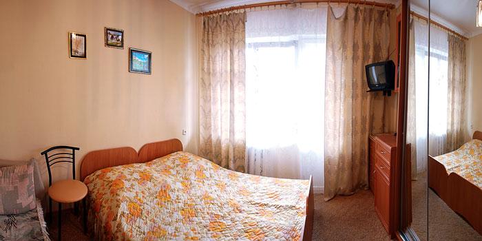 Предлагаем Вам отдых в Алуште Профессорский уголок в частном пансионате...